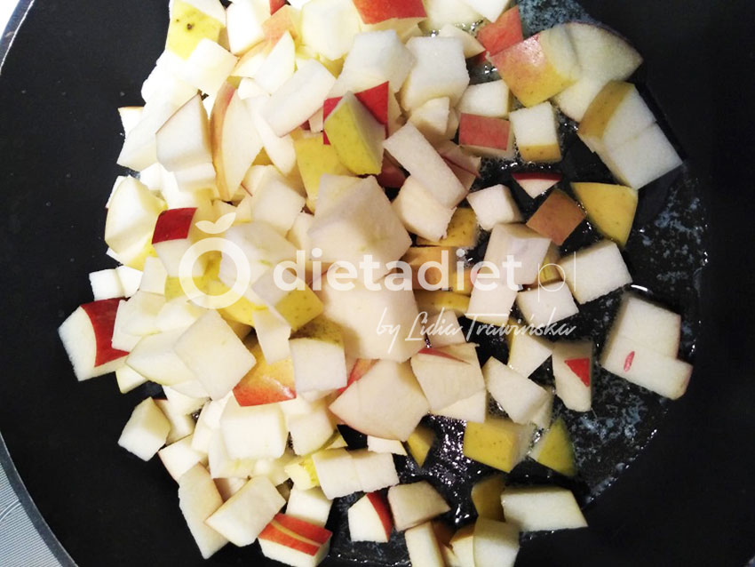 Ryż brązowy z jabłkiem i szpinakiem