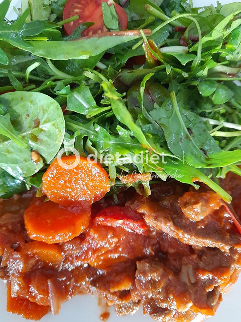 Gulasz z wołowiny z marchwią